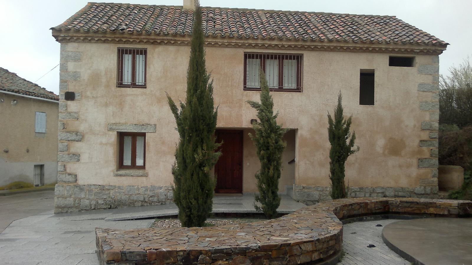 Casa de la Maestra 2 en Madarcos